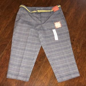 NWT DOCKERS MULTICOLORED PLAID CAPRI'S SIZE 14